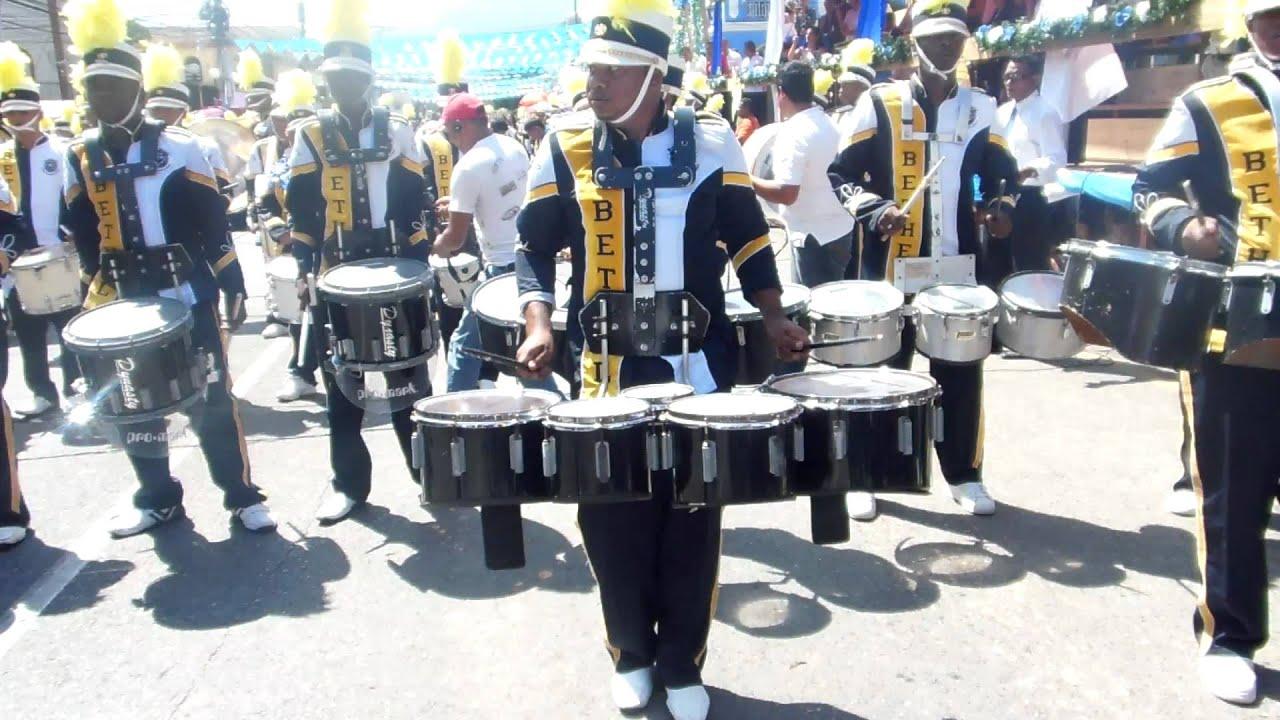 O Bisonte Banda 15 de Septiembre Banda...