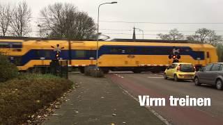 Spoorwegovergang Grootebroek//Dutch Railroad Crossing