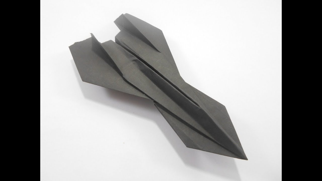 How to build a simple paper airplane