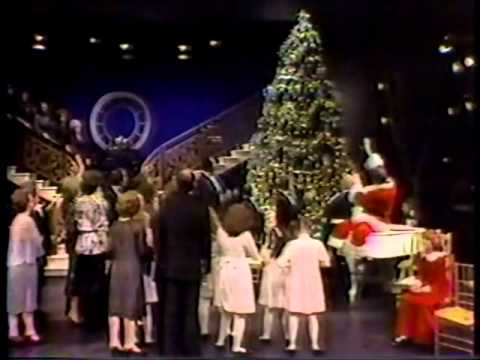 1977 Scene from Annie Christmas Special - YouTube