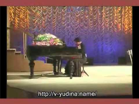 РАЗБОР ПЕСНИ МАМА на пианино. Виктория Юдина