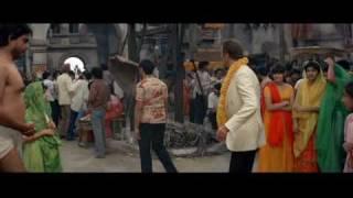 007 Contra Octopussy: Causando na Índia