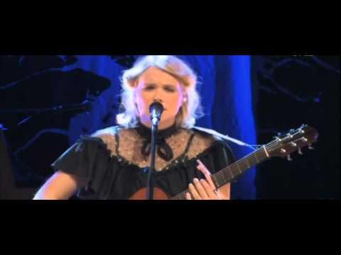 Ane Brun - Big In Japan (Live Stockholm Concert Hall 2008).avi