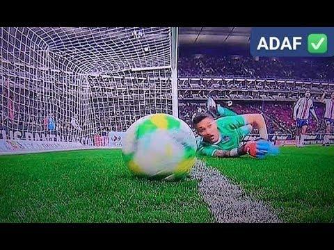 ¿Entró o no? Le ahogaron el grito de gol a argentino tras revisar la jugada dos veces con el VAR