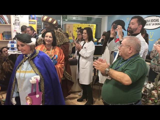 Los Reyes dejan su granito de ilusión en el Reina Sofía