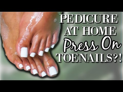 HOW TO DO A PEDICURE + PRESS ON TOENAILS (2019)