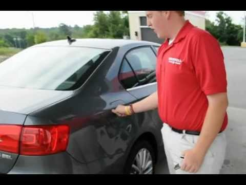 2012 jetta gas door release