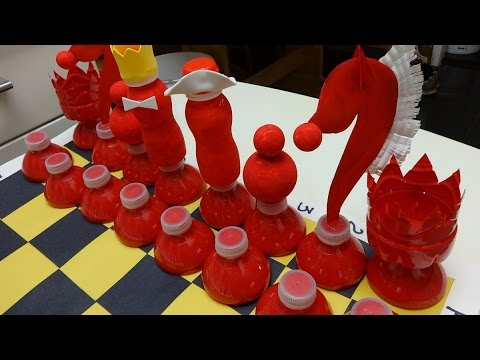 23 creative ways to reuse old plastic bottles doovi for Bottle arts and crafts