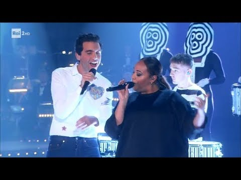 I Clean Bandit con Mika in 'I Miss You' - Stasera CasaMika 07/11/2017