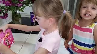 Мои дети блогеры, делаем Сумку из коробки за 5 минут своими руками мастер-класс
