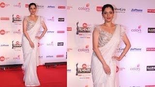 Ankita Lokhande Hot At Red Carpet Jio Filmfare Awards 2018