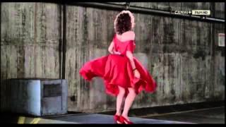 la chica de rojo 80s