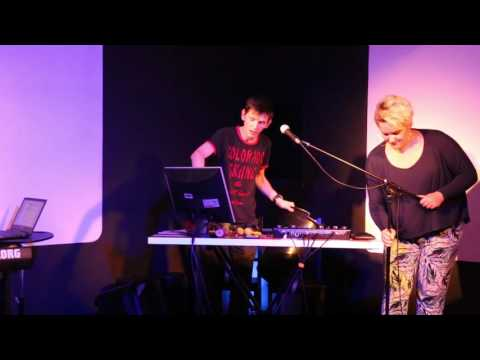 The Reykjavik Hotel Complaints Song - Re:Verse Live Track 03