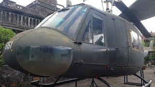 Sờ tận tay trực thăng UH-1.