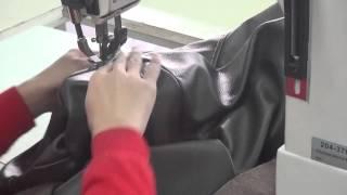 Jednojehlový, sloupový šicí stroj pro silné nitě, vrchní okrasné švy na kožené sedací soupravy