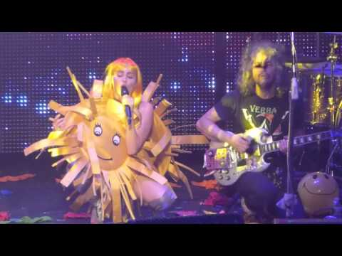 """""""The Floyd Song (Sunrise)"""" Miley Cyrus & The Flaming Lips@Electric Factory Philadelphia 12/5/15"""