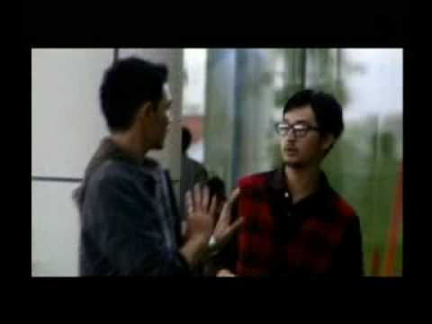 I KNOW WHAT YOU DID ON FACEBOOK - TRAILER FILM INDONESIA 2010