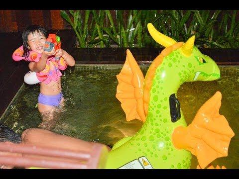 Kid Massage Bianca Lo 4 yrs old Ko Samui Thailand Nico Lau