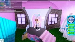 Roblox Royale High| He Was Secretly a Prince(Before Part 5)