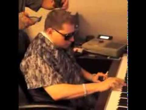 I Can't Stop Watching This Video Of Scott Storch Playing