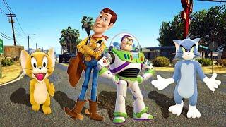 توم وجيري   وودي و باظ يطير من حكاية لعبة ومشكلة طيران !! 🐱🐭 قراند 5   GTA 5 !!
