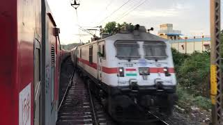 COVID SPL AP Express crossing COVID SPL Thirukkural Express at MAHABUBABAD, Telangana!