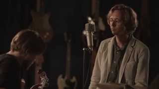 Erlend Øye - Fence Me In - in the studio