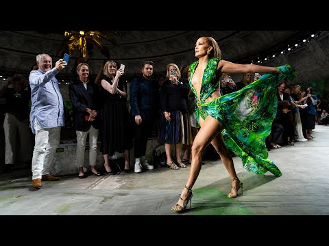 Versace Women's Spring-Summer 2020 | Fashion Show