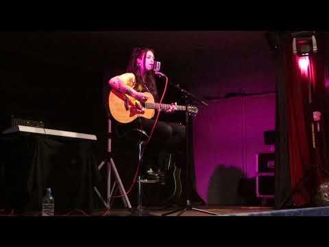 Cecilia PASCAL / BACK TO BLACK ( Amy Winehouse )