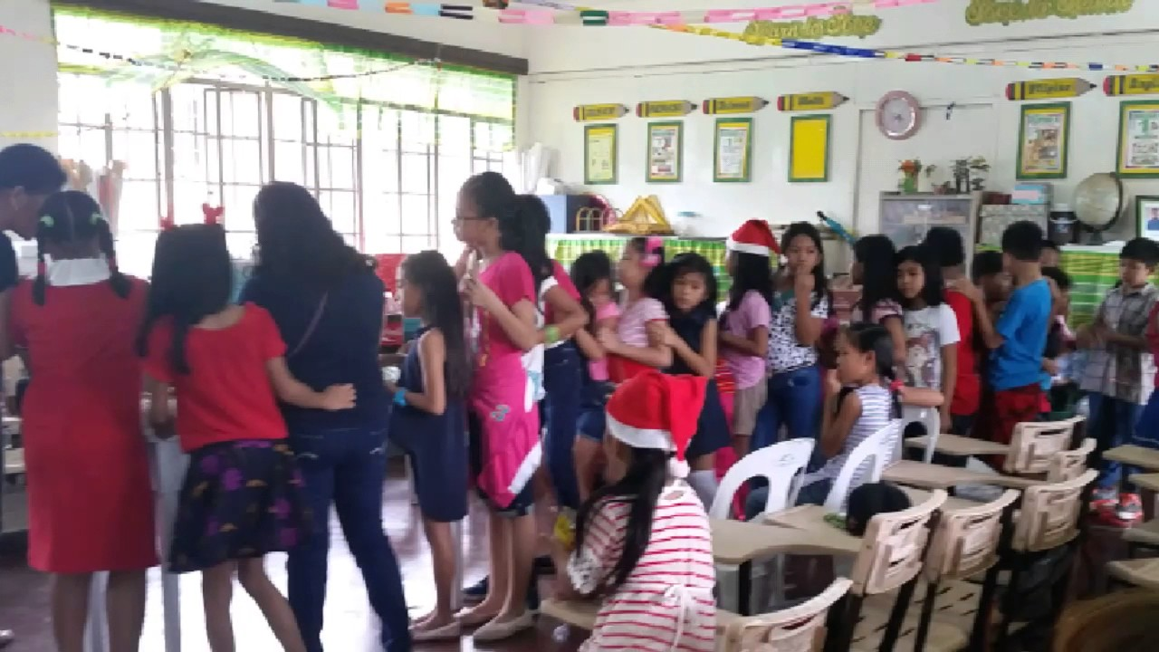 Elementary School Christmas Party Ideas Part - 39: Typical Grade School Classroom And Students Christmas Party Celebration In  The Philippines 3rd Grade
