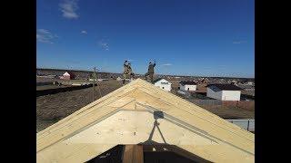 Установка стропил своими руками. Двухскатная крыша. Строительство дома 9 на 8.