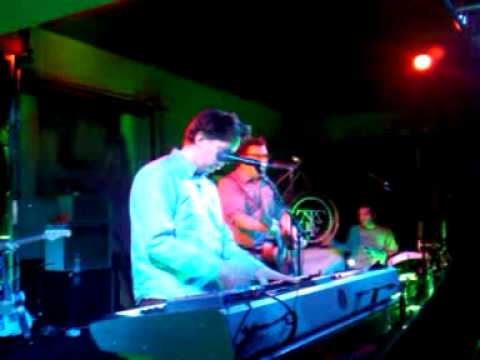 They Might Be Giants perform Science is Real