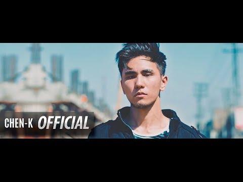 BEECH KI UNGLI (Official Video) CHEN-K    DOOR DUNIYA ALBUM    URDU RAP