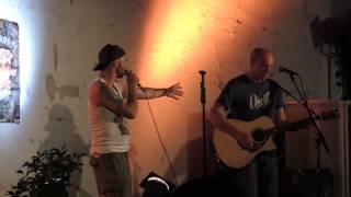 Das Original Alkbottle Branntweiner Duo: I siech nur di (Chill & Grill, Szene Wien)