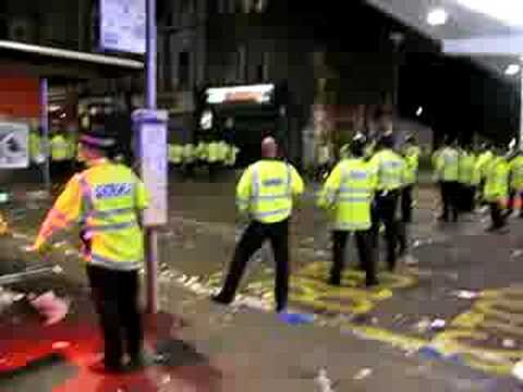 Police Inciting Riot Nottinghill Carnival 2008 Youtube