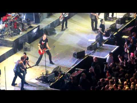 Die Toten Hosen & Broilers - Should I Stay or Should I Go, Live in Berlin 2012[HD]