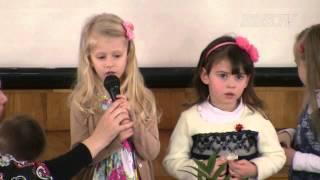 Детская программа на 8 марта. Музыка и стихи о маме