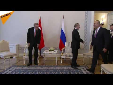 Putin and Erdogan Begin Talks in St. Petersburg