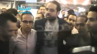 فيديو| شريف إكرامى ضيف شرف العرض الخاص لفيلم «سكر مر»