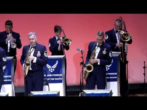 ビックバンド シング・シング・シング Sing Sing Sing アメリカ空軍太平洋音楽隊アジア パシフィック・ショーケース・航空自衛隊航空中央音楽隊の有志(トランペット・ドラム奏者)合同コンサート