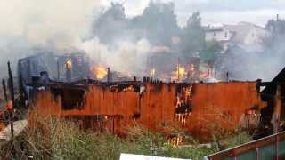 Пожар в Химках на Сходне(В городе Химки 22 июля 2013 года в мк-рн Сходня по адресу 1-й дачный переулок примерно в 16-30 начался пожар. Горело..., 2013-07-22T18:14:36.000Z)