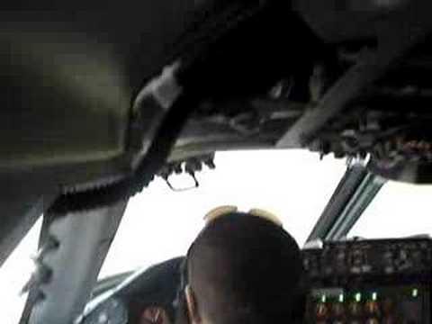Landing the B747 D2-TEA in Luanda