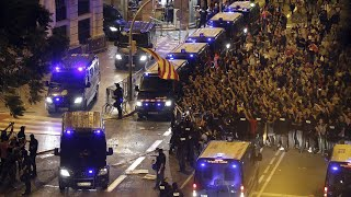 كتالونيا: إضراب عام احتجاجاً على تعامل الشرطة خلال الاستفتاء