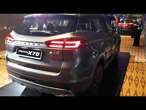 2019 Proton X70 SUV Launch: Interior & Walkaround!