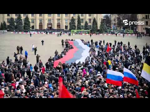 Россия! Россия! Фоторепортаж из Харькова/Pro-Russian rally in Kharkiv. multimedia photostory