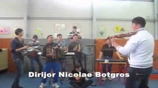 8 Martie XI-U - Raducaneni ( Fetele lu&#39 tata, Instrumental, Zana zanelor)