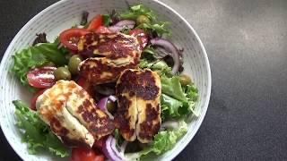 Салат с жареным сыром Халуми .Salad with grilled Halumi cheese.