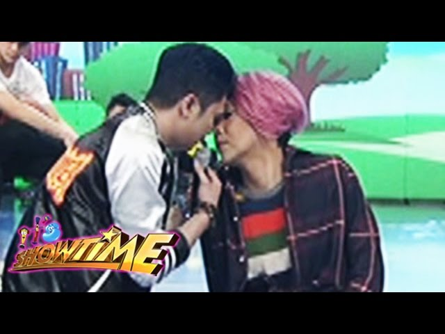 It's Showtime: Vice and Vhong's nose to nose moment