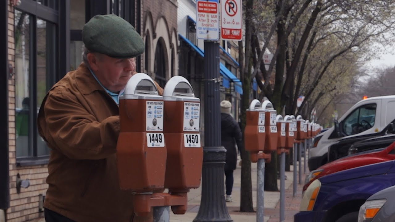 beautiful-this-man-still-feeds-his-dead-wife-s-parking-meter-every-morning