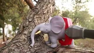 Zoo Baby Animals Stuck On Tree Are Saved by The Toy Crane   Toy Crane Video Games For Toddlers